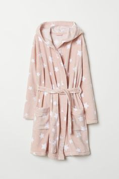 Knee-length bathrobe in soft fleece. Side pockets, hood, and removable tie belt at waist. Cute Pjs, Cute Pajamas, Girls Pajamas, Pajamas Women, Stylish Summer Outfits, Cute Comfy Outfits, Outfits For Teens, Cool Outfits, Girl Fashion