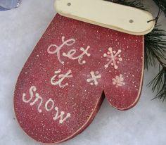 'Let it Snow' Wood Mitten