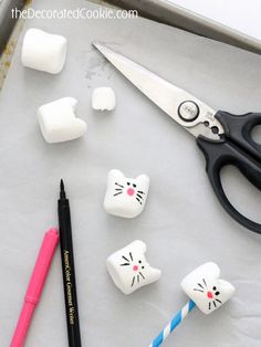 simple kitty cat marshmallows CAT MARSHMALLOWS --How to make a simple and easy animal food craft for kids with marshmallows, food coloring pens, and scissors. Kitty Party, Cat Birthday, 6th Birthday Parties, Birthday Ideas, Cat Themed Parties, Marshmallows, Animal Party, Crafts For Kids, Animal Food