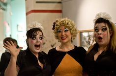 Opening of the Paule Saviano Exhibition during HBF 09. Kiki Hawaiji, Little Brooklyn, Bettie Blackheart. / Photo Laura K-S