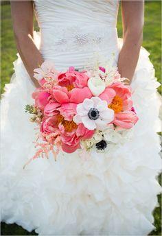 pink and white wedding bouquet #bouquet #bride #weddingchicks http://www.weddingchicks.com/2014/04/07/playful-pink-and-navy-wedding/