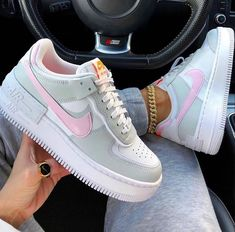 Cute Sneakers, Shoes Sneakers, Sneakers Adidas, Kd Shoes, Shoes Heels, Summer Sneakers, Summer Sandals, Zapatillas Nike Air Force, Sneakers Fashion