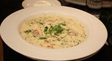 Fiskesuppe á la Hellstrøm | TV3 Mat Cheeseburger Chowder, Food And Drink, Soup, Eat, Recipes, Soups, Soup Appetizers, Recipies