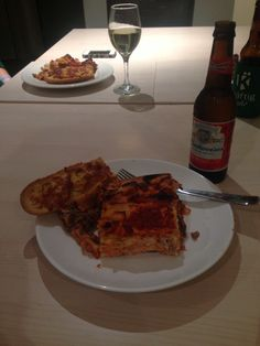 Lasagna and garlic bread. With Budweiser
