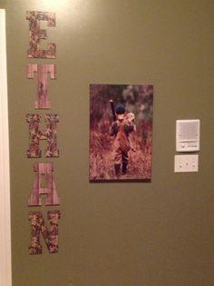 85 Beautiful Hunting Theme Bedrooms Design Ideas - Page 23 of 84 Boys Hunting Bedroom, Boys Bedroom Decor, Bedroom Themes, Hunting Rooms, Bedroom Ideas, Nursery Ideas, Master Bedroom, Camo Rooms, Hunting Themes