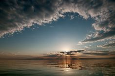 Google Image Result for http://i.images.cdn.fotopedia.com/picasaweb-5521382869911793362-hd/Photography_Techniques/Contre-jour/Lake_Baikal-Contre-jour-Crepuscular_rays-Lake-Landscape_photography-Natural_phenomenon-Sunset.jpg