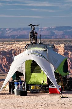Round up of ultra lightweight pop up campers that you can tow with nearly any vehicle, even small cars! Pros and cons of a pop up camper and what to look for Small Pop Up Campers, Best Pop Up Campers, Small Cars, Camping Guide, Camping Hacks, Tent Camping, 5th Wheel Travel Trailers, Camping In Illinois