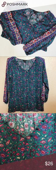 NEW ARRIVAL-> Lucky Brand floral print blouse Gah love me everything lucky especially with a pattern like this.   Great condition  Buttons in front  Great condition   Size small Lucky Brand Tops Blouses