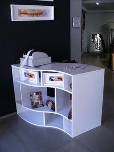 Showroom furniture by Imotiu
