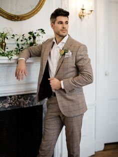 Elizabeth Bennett or Emma would love this luxe manor wedding at Aldworth Manor in New Hampshire with a British couture gown fit for a Jane Austen heroine Brown Suit Wedding, Vintage Wedding Suits, Groom Tuxedo Wedding, Wedding Men, Wedding Attire, Vintage Groomsmen, Gothic Wedding, Wedding Stuff, Wedding Ideas