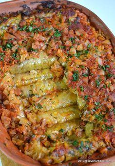 cum se fac sarmalute de post cu ciuperci in vas de lut la cuptor Vegetable Recipes, Vegetarian Recipes, Cooking Recipes, Romanian Food, Main Dishes, Veggies, Food And Drink, Healthy Eating, Meals