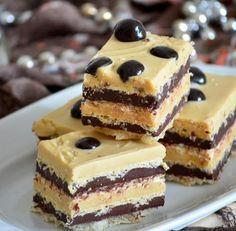 Holiday Desserts, Easy Desserts, Delicious Desserts, Romanian Desserts, Cake Recipes, Dessert Recipes, Dessert Ideas, Sweet Pie, Sweets Cake