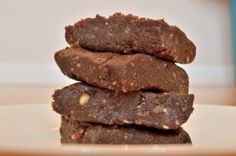 #paleo Brownie Lara Bars: 1 and ¼ cups pitted dates (soaked in boiling water for 15 minutes); 1 cup mixed nuts (mixture of almonds, walnuts, and hazelnuts); 2 T cocoa powder;  2 oz. Lindt 85% Dark Chocolate, chopped (about the size of chocolate chips)