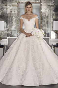 Inspiration Robe du Mariage   :    Description   Blush off the shoulder aline wedding gown: www.stylemepretty… Courtesy: Romona Keveza – www.romonakeveza….    - #RobeduMariage https://madame.tn/mariage/robe-du-mariage/inspiration-robe-du-mariage-blush-off-the-shoulder-aline-wedding-gown-www-stylemepretty-courtesy-romona/