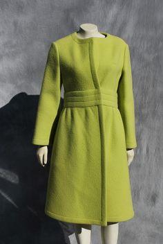 ON SALE Vintage Pauline TRIGERE coat overcoat 60's mod space age sM mint jacket