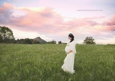 Maternity Photographer Sunshine CoastWhen this gorgeous Mummy-to-be requested a rustic setting with a paddock and an old shed, it jogged my memory of a place I had seen a while back near Cooroy. Luckily, I was able to track down the owners and they were kind enough to grant us permission to…
