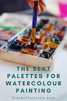 There are plenty of options when it comes to choosing a watercolour palette. Get a lightweight set of pans to take on your travels, or choose the ultimate ceramic palette with enough wells to squeeze all your tube paint into. #watercolor #watercolorsupplies #watercolorpainting #watercolorartist #watercolorist #watercolour #watercolourpainter #painter #paintingtutorial #artist #arttutorials #artsupplies #paintingsupplies Watercolor Beginner, Watercolor Tips, Watercolour Tutorials, Watercolor Techniques, Art Techniques, Watercolour Painting, Diy Painting, Watercolour Palette, Art Tutorials