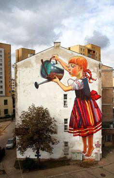 Em todas as imagens, os artistas de rua incorporaram elementos na natureza no grafite, transformando pinturas em 2D em 3D