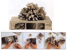 Decorazione pacchetto con carta di giornale