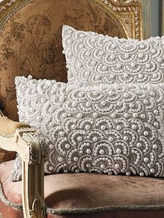 A stunning, eye-catching showpiece for a sofa, chair, or bed.