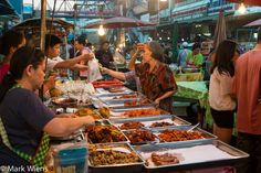 Exploring the Famous Warorot Market (ตลาดวโรรส) in Chiang Mai