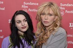 Courtney Love e Frances Bean na pré-estreia do filme sobre Kurt - http://metropolitanafm.uol.com.br/novidades/famosos/courtney-love-e-frances-bean-na-pre-estreia-filme-sobre-kurt