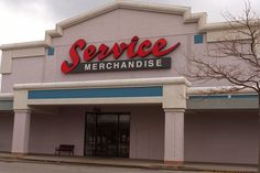 Service Merchandise in Huntington Station (Rte 110) closed in 1999.