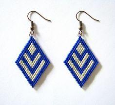 Boucles d'oreilles miyuki à chevrons bleus et beiges