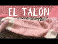CALCETINES parte 2: el talón - YouTube Knitting Socks, Knitted Hats, Crochet Videos, Handmade, Crafts, Fashion Tips, Youtube, Sacks, Slippers