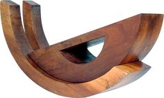 Paulo Laender -BALANÇO I - escultura em madeira (vinático) data 1977 - dim 40 x 55 x 120 cms