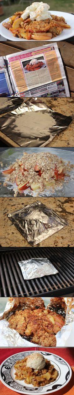Rezept: - 1Tasse Haferflocken - 6 EL Mehl - 3 EL brauner Zucker - ¼ Tasse Zucker - ¼ TL Zimt - Prise Muskatnuss - 2 EL Butter, plus mehr für Folien - 3 Äpfel - Spritzer Zitronensaft