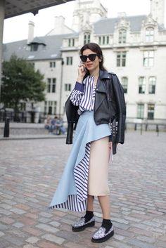 Vem ver lindos looks de moda rua em tons de azul!