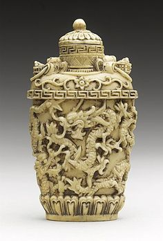 Carved Ivory Snuff Bottle (Biyanhu) with Continuous Dragon Band, China, Late Qing dynasty, ca. 1800-1911