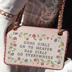 #Repost @r29fashion ・・・ Spotted this @moschino bag on @nypost's @anahitaglitters.  #r29fw #moschino @itsjeremyscott
