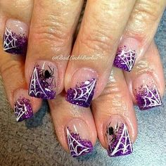 Halloween is right around the corner so you need to make sure you have your nails done to perfection to celebrate a fun holiday. We have found some of the best Halloween nail art designs for 2018 and would love to share them with you. Ongles Gel Halloween, Halloween Nail Designs, Maquillage Halloween, Halloween Nail Art, Halloween Spider, Purple Halloween, Holiday Nail Art, Fall Nail Art, Fingernail Designs