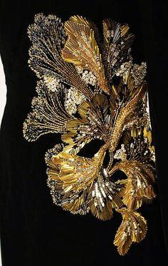Lesage for Oscar de la Renta Tambour Beading, Tambour Embroidery, Couture Embroidery, Gold Embroidery, Embroidery Applique, Embroidery Stitches, Embroidery Patterns, Crazy Quilting, Ideas Joyería