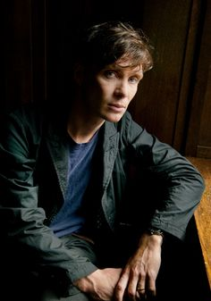 Actor Cillian Murphy photographed by Linda Nylind// You can click through for more portraits of other famous people, but honestly, this one of Cillian is the best of the lot, and it's a looooong ways ahead of the rest of them, IMO.