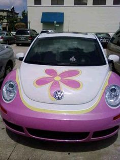 I love the Volkswagen Beetle, especially the convertible. It is so darn cute! Pretty Cars, Cute Cars, Beetle Bug, Vw Beetles, My Dream Car, Dream Cars, Car Mods, First Car, Future Car