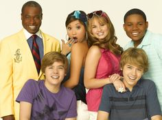 See Your Fave 'The Suite Life on Deck' Stars' Style Transformations - Twist Hotel Zack Und Cody, Zack Et Cody, Sweet Life On Deck, 2000s Tv Shows, Old Disney Shows, Old Disney Channel, Dylan And Cole, Emperors New Groove, Life Cast