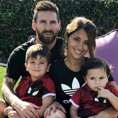 Leo and his family💯💯❤❤❤❤❤❤❤❤❤❤❤ Leonel Messi, Messi Fans, Messi 10, Messi And His Wife, Messi Y Antonella, God Of Football, Antonella Roccuzzo, Lionel Messi Wallpapers, Argentina National Team