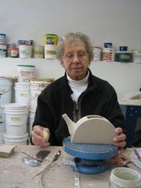 Assembling teapot