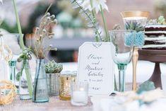 Hochzeit in Grün, Gold und Türkis | Friedatheres.com  green tabletop  Fotos: Kitty Fried Photography Papeterie: Jeannette Mokosch