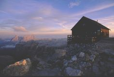 Un paesaggio da ammirare in un'escursione d'alta montagna in autunno. © Archivio Immagini Apt Val di Fassa