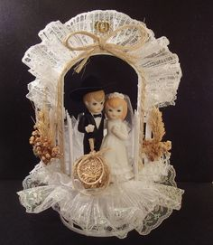 WESTERN Cowboy & Bride COUNTRY Horseshoes HAY BALE Porcelain WEDDING CAKE TOPPER
