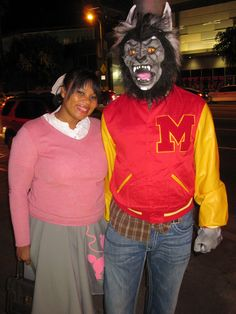 """Angie as Ola Ray and Greg as Michael Jackson in """"Thriller"""" Epic Halloween Costumes, Halloween Outfits, Cool Costumes, Halloween Fun, Costume Ideas, Ray Costume, Wolf Costume, Michael Jackson Thriller Costume, Cosplay Diy"""