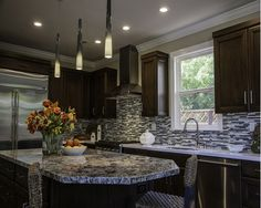 Transitional kitchen - Home and Garden Design Ideas