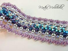 Bracciale a fascia con cristalli Swarovski, strass e perle tessuto a mano