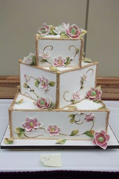 wedding cakes creative What a gorgeous cake. us for more stunning wedding (cake) inspiration and well back. Square Wedding Cakes, Elegant Wedding Cakes, Beautiful Wedding Cakes, Gorgeous Cakes, Wedding Cake Designs, Pretty Cakes, Cute Cakes, Amazing Cakes, Rustic Wedding