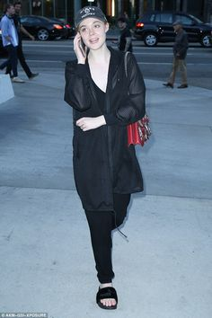 Elle Fanning keeps it casual for a trip to the cinema in Hollywood | Daily Mail Online