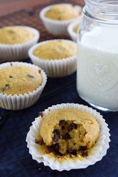 Video receta para hacer unos ricos muffins de calabaza y chispas de chocolate. Vuelvo con recetas de calabaza. ¿Será porque en el sur del planeta el otoño empieza? La realidad es que desde octubre tengo …